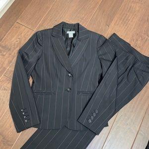 Ann Taylor Petites Suit - Like NEW.